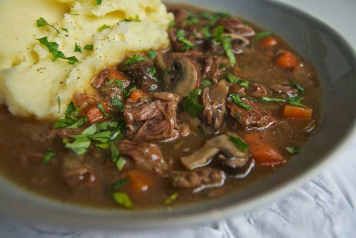 Slow cooker beef in beer with mushrooms | Well Worn Whisk
