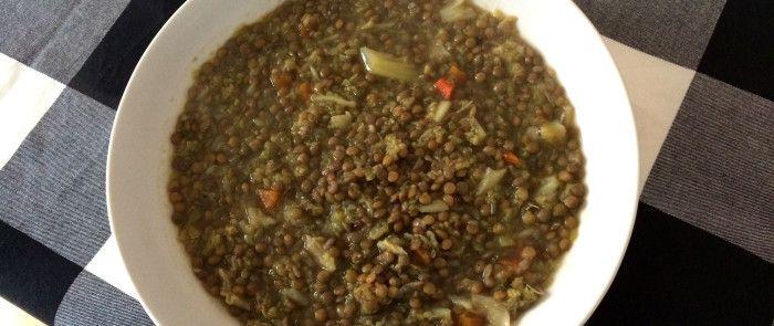 Zuppa di Lenticchie (o farro) con crema di zucca e crostini integrali