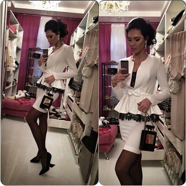 Новое украшение превращается в сценку перед зеркалом, а новое платье превращает зеркал... | Use Instagram online! Websta is the Best Instagram Web Viewer!