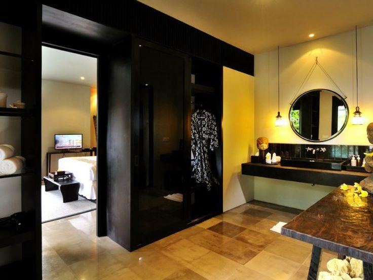 Bathroom at Villa Desuma