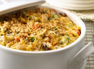 Ground Chicken Casserole...I bet I could make a super healthy version of this, too!