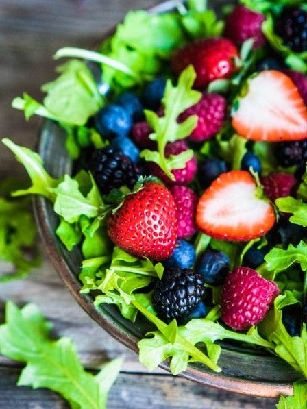 Essig und Öl haben ausgedient. Wir verfeinern unseren Salat ab sofort mit einer fruchtigen Himbeervinaigrette - auch zu Spargel und Käse ein Genuss.