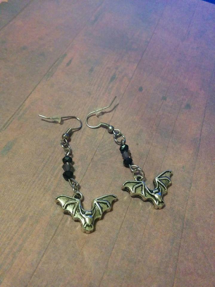 Bat Earrings - black crystals - halloween - goth - bat charm - women earrings - jewelry - jewellery - steampunk jewelry - handmade jewelry by Blackrose37 on Etsy