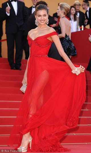 "Irana Shayk in Roberto Cavalli for the premiere of ""Killing Them Softly"" (2012 Cannes International Film Festival)"