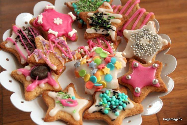 skønne og nemme julesmåkager - der kan tumles af børnene selv.Varier dem som du har lyst og lad børnene pynte og hygge ♥