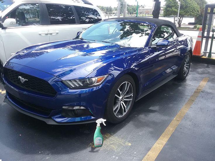 El #Ford #Mustang brilla de manera Espectacular con Magic Clean Car deja Tu Auto Limpio y brillantemente encerado de una sola vez y sin agua #lavasinagua #lavaenseco