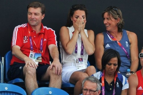 Kate Middleton with Team GB -hockey-team