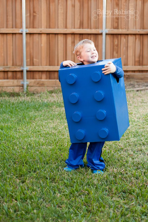 {DIY Halloween Costumes: LEGO} This is by far my favorite at home costume. Is he adorable or what? Would you have the patience to make this?