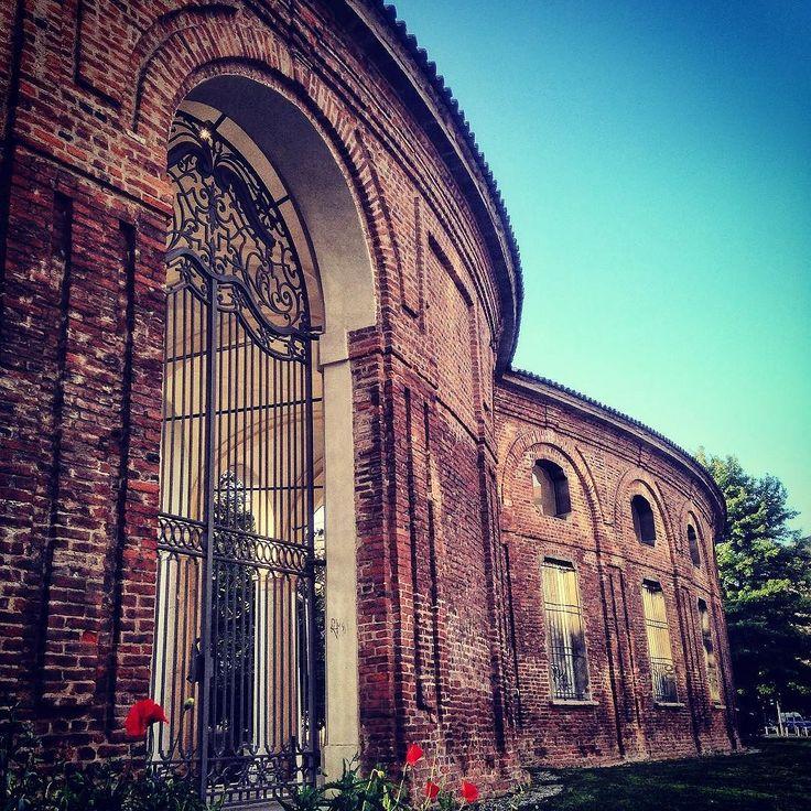 Milan -Italy - Rotonda Besana #milano #milanodavedere #details #italy #milan #rotondadellabesana by cibalgina