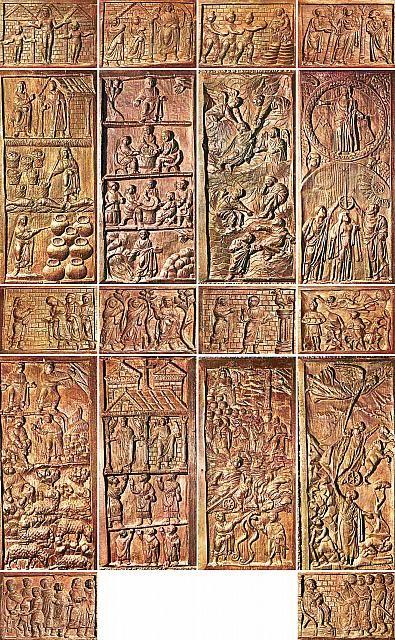 Porta lignea della Basilica di Santa Sabina in Roma. Questa porta è uno dei rarissimi esemplari di scultura lignea paleocristiana conservata. 432