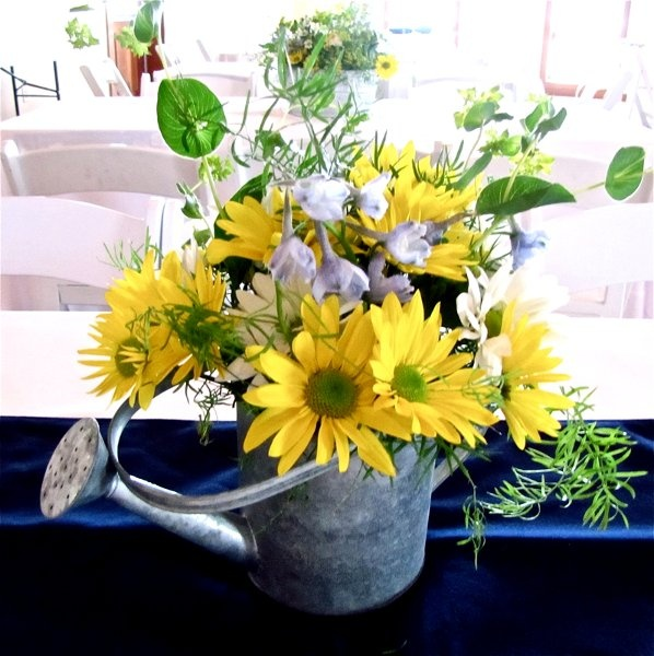 Best 25+ Watering Can Centerpieces Ideas On Pinterest