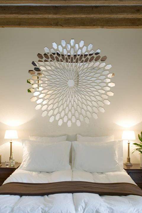 Reflective 3D Wall Decals brings the world of optical illusions onto your walls, hassle free. This thin reflective vinyl has a chrome finish that will show wall imperfections if not totally smooth.