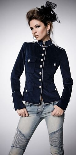military jackets, so cute!!                                                                                                                                                                                 Más