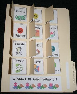 Mooi beloningssysteem. Het kind dat bijv een week goed gedrag vertoont mag een vakje open maken.