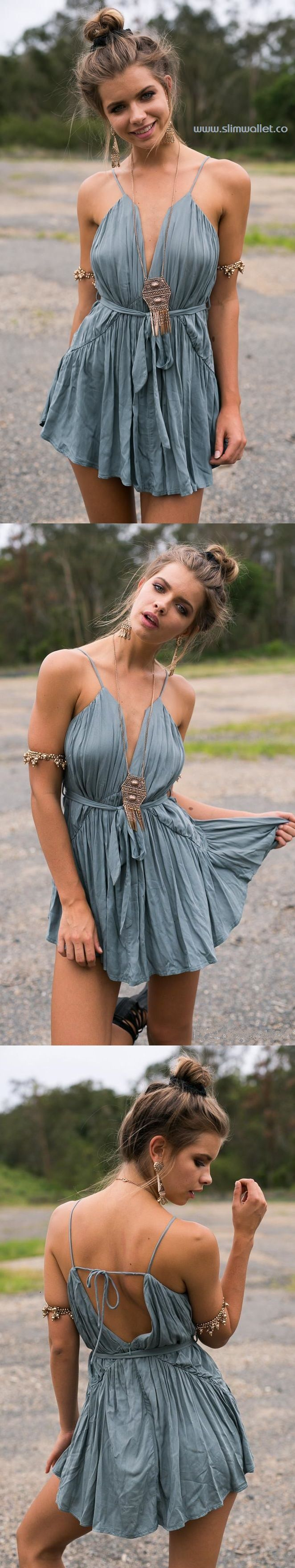 https://www.slimwallet.co/ Get a casual boho look with the Ruffle Boho Playsuit! Features a choker neckline, plunge bodice, pleated crepe-like material, and a ruffle trim. Only $22.99 for now!!