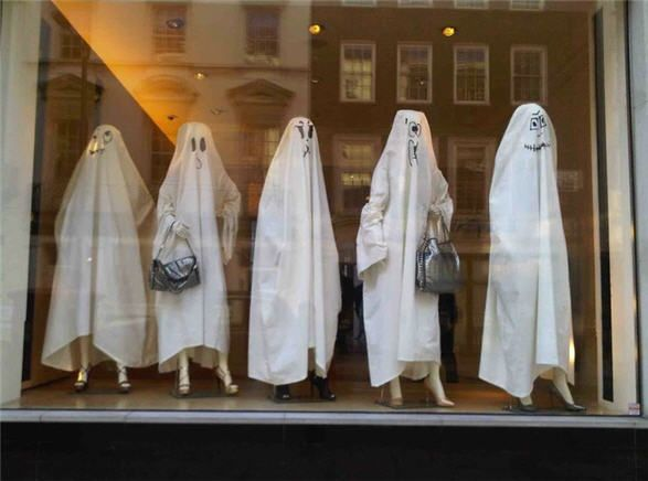 great halloween window - Halloween Display Ideas