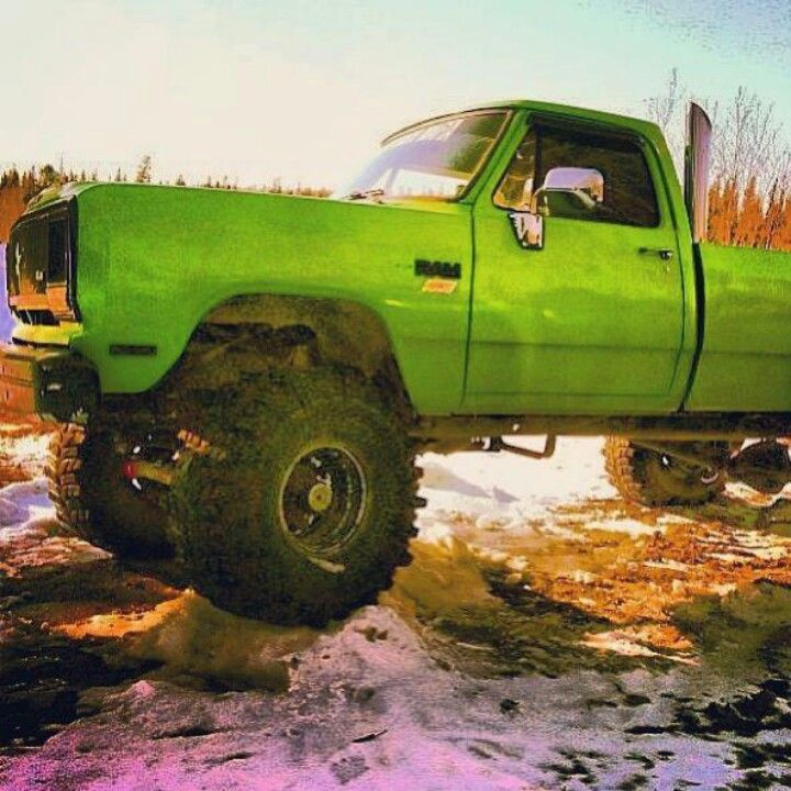 Old Body Lime Green Ram lifted with stack