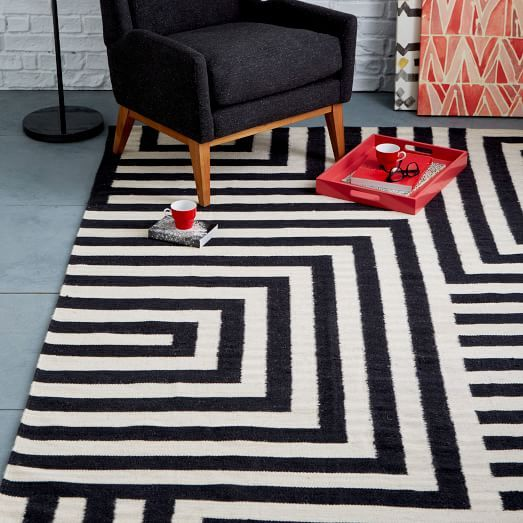graphic black and white rug | Small Scale Maze Dhurrie Rug, Iron, 5'x8'