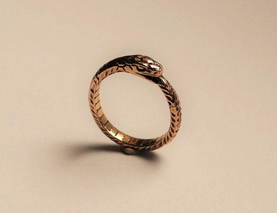 die besten 25 bronze ring ideen auf pinterest federring knoten ring bedeutung und runenalphabet. Black Bedroom Furniture Sets. Home Design Ideas