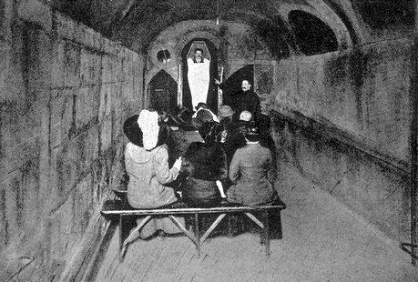 Le Cabaret du Néant ~ La Salle Gothique