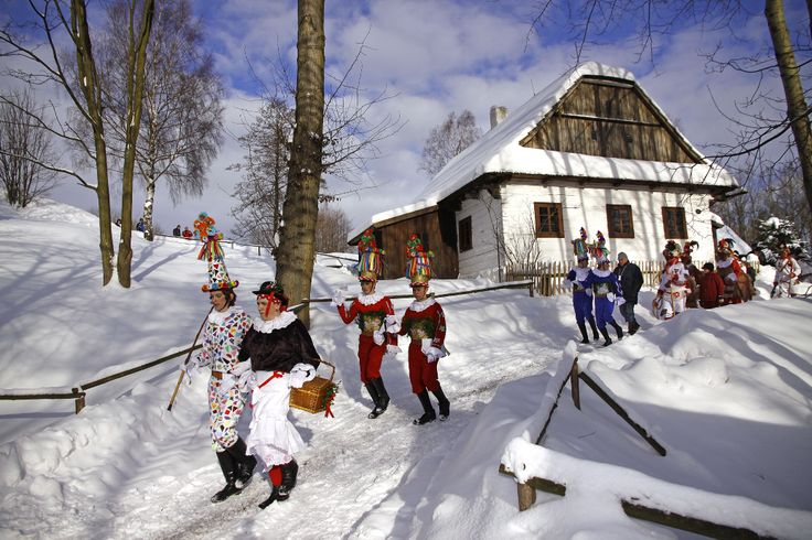 Soubor lidových staveb Vysočina _ Veselý Kopec (Masopustní obchůzky a masky)