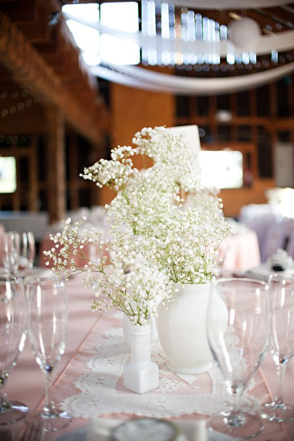 Baby's Breath Centerpiece|Photo by: mkloefflerphotography.com