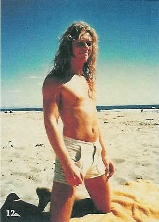 SO young!!! James Hetfield