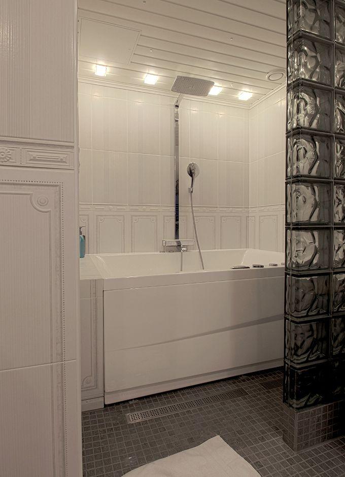 Bathtubs are back. / Kylpyammeet ovat tehneet paluun.
