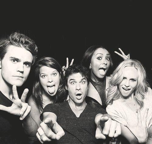 Stefan Salvatore  x Caroline Forbes x Bonnie Bennett x Damon Salvatore - Paul Wesley x Candice Accola x Kat Graham x Ian Somerhalder x Caroline Dries