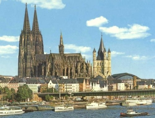 Cologne (Koln) Cathedral...the age, history & size of this was truly amazing & from someone who comes from the tropics, it was cold as a fridge! - CHECK!