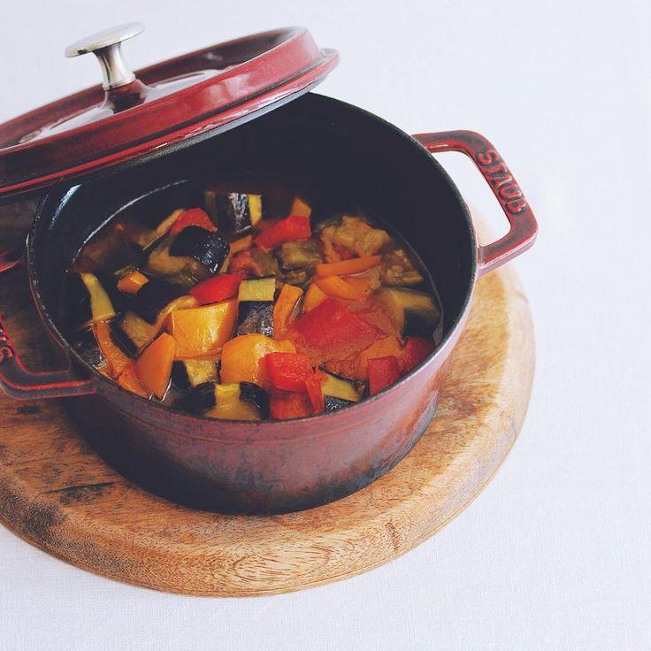 漬けるだけでささっと作れる簡単おつまみのレシピをお届けします。急におつまみや副菜が必要になったときの味方になるはず。ぜひ参考にしてみてください。