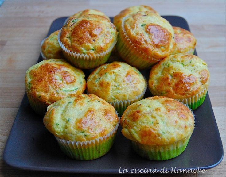 Questi muffin allo speck e zucchine sono lo stuzzichino ideale per un buffet…