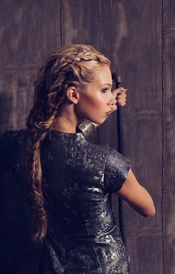 I like the hair more than the clothing… (Steampunk gothique texturé Brocade jeux…