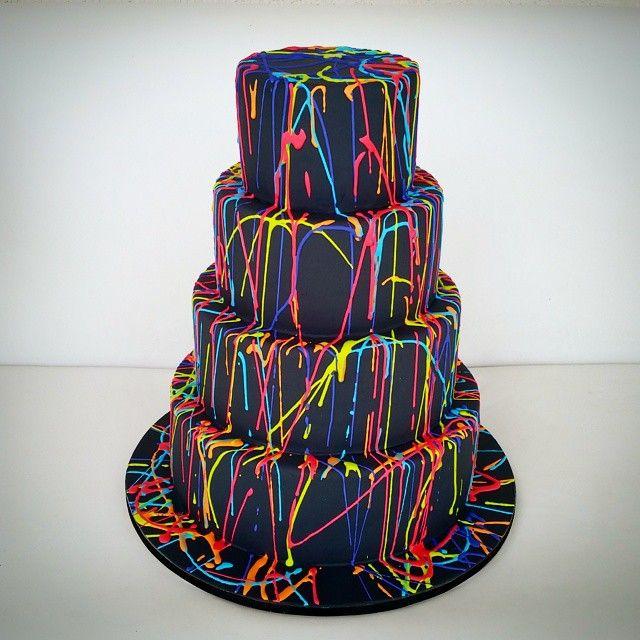 Coincidentemente ontem a nossa sexta também foi colorida... #lovewins #boloshoneycakes #honeycakes ...