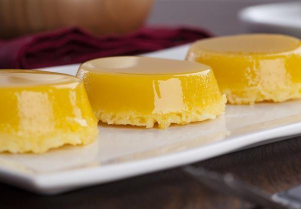 Aprenda a preparar quindim com esta excelente e fácil receita. O quindim é um doce brasileiro muito gostoso, que tem como ingredientes principais o ovo, o açúcar e o...