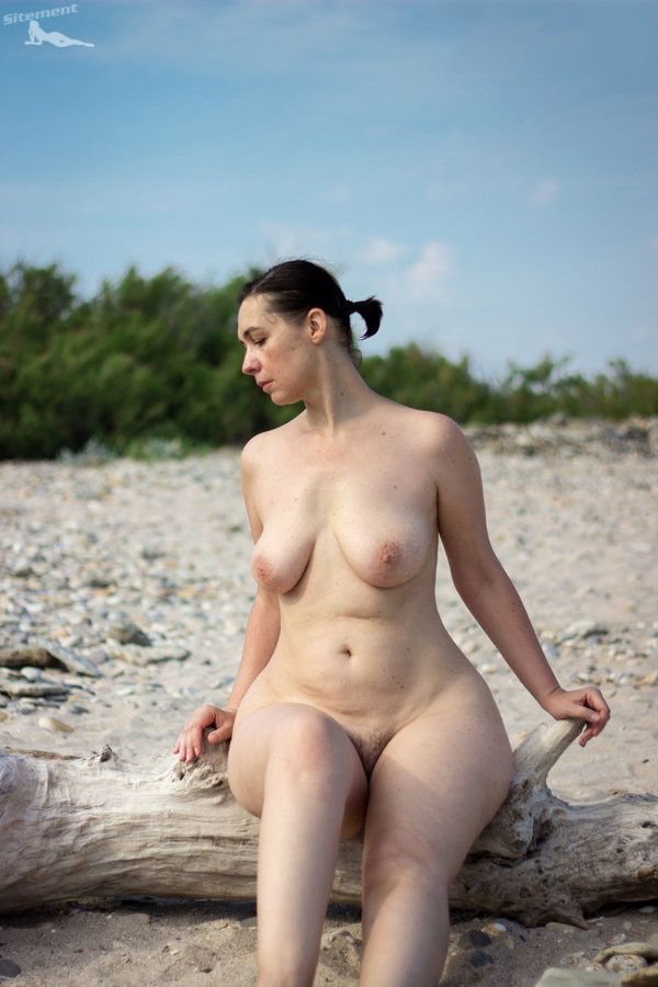 Sex group nudist big hips