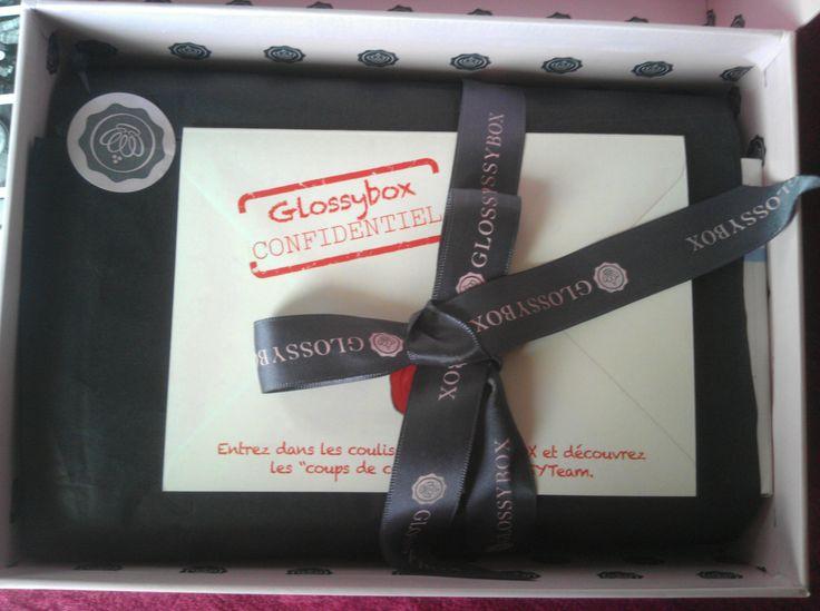 Το GLOSSYBOX ταξίδεψε από τη Γαλλία και έφτασε στα χέρια μου πριν μερικές μέρες. Πανέμορφο, προσεγμένο στη λεπτομέρεια και μοσχομυριστό Για να δείτε το περιεχόμενό του, κάντε κλικ στο http://bit.ly/1gL3BLS