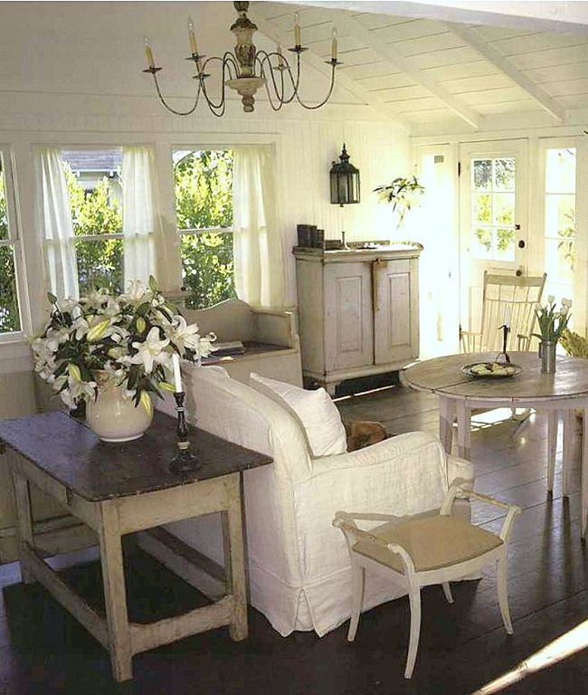 Cape Cod Cottage Style White Beachy Living Room Cathedral Cielings