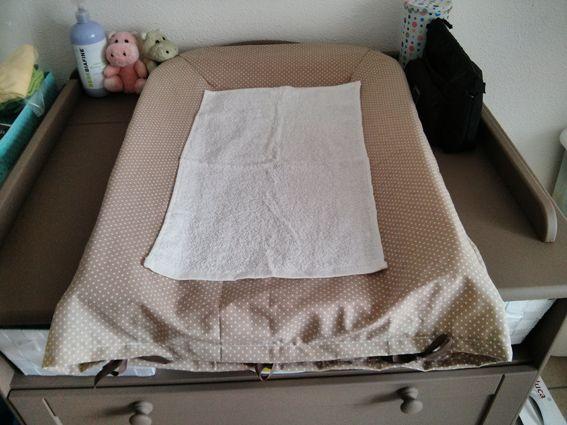 des amis nous ont gentillement donn un matelas langer mais comme ils ont eu une petite fille. Black Bedroom Furniture Sets. Home Design Ideas