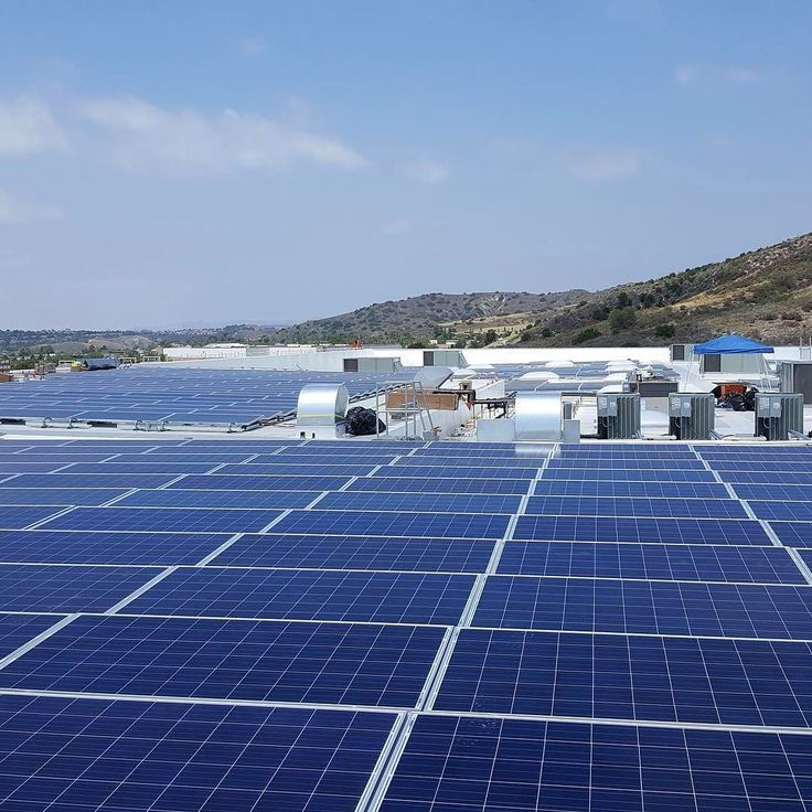Laderasportscenter Uses Heliopower S Integrated Energy Solutions And Solaredgepv S Dc Optimized Inverter S Solar Panels Solar Power House Solar Power System
