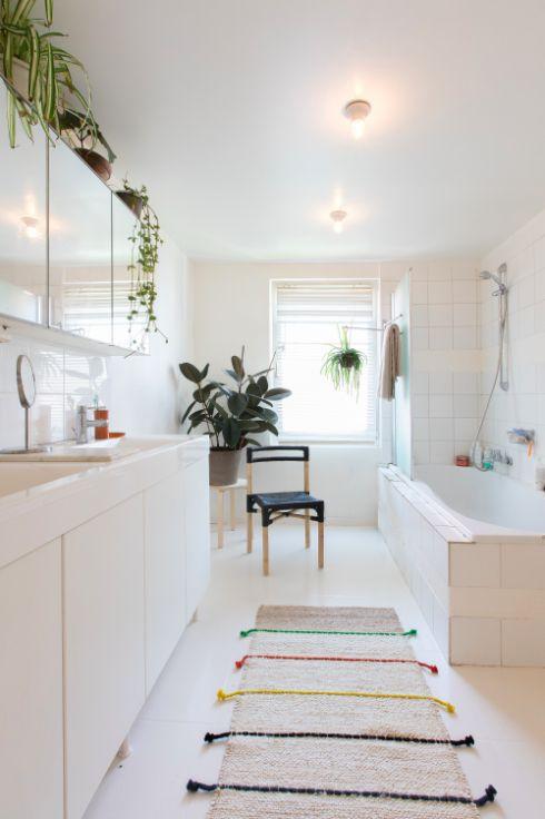 Te koop - Herenhuis 4 slaapkamer(s)  - bewoonbare oppervlakte: 200 m2  - Gerenoveerd herenhuis met tuin nabij Park Spoor Noord.  - bouwjaar: 1923-01-01 00:00:00.0 - dubbel glas - dressing 1 bad(en) -   1 gevel(s) -  1 toilet(ten) -  - oppervlakte keuken: 23 m2 - oppervlakte living: 33 m2
