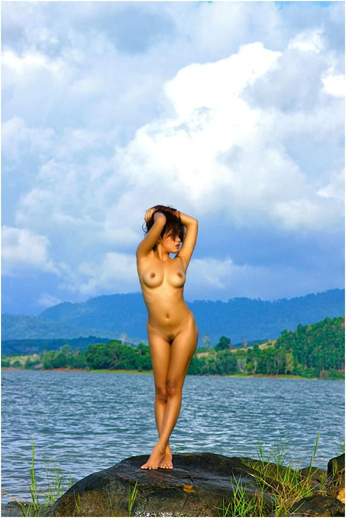 Alicia sacramone body issue