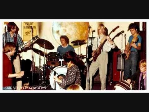 CYRK - Medusa ( Svend Christensen ) live from Club Gemeni 1979.  CYRK: ( 1976- 80 )  Grundstammen i Cyrk har altid været brødrene Svend Christensen og Ivan Christensen på bas og guitar med Kurt Ljungberg Jensen på trommer. De er blevet suppleret af en lang række dygtige guitarister og gæste musikere fra det brede amagerkanske musikermiljø. Her er ...