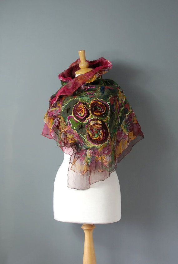Cous écharpe feutrée Nuno Felted senti collet merino laine soie vert rose jaune Bourgogne, hiver accessoires, feutré Echarpe fleur