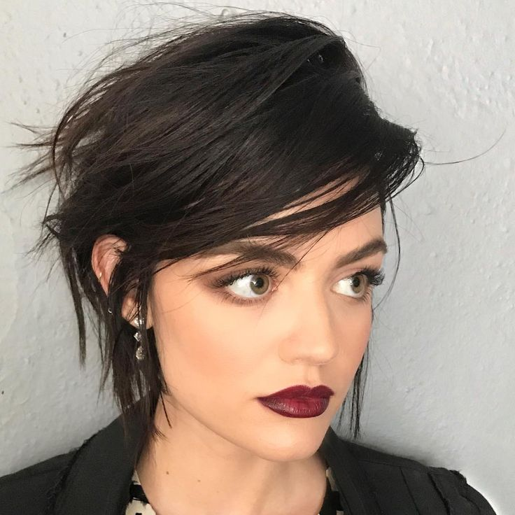 """9,814 curtidas, 119 comentários - Lucy Hale (@lucyhale) no Instagram: """"When @kristin_ess knows how to fake an even shorter haircut on you and now you want to actually do…"""""""