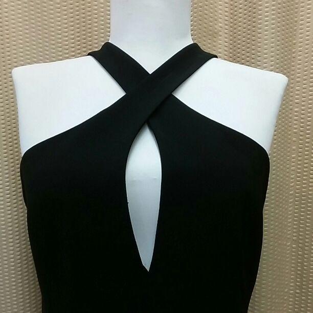 S 4 Tahari black tea length long dress