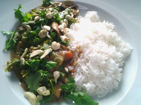 Anemone hat Brokkoli selbst angebaut und darf nun die Früchte ihrer Arbeit ernten und zu diesem Leckeren Curry verarbeiten!