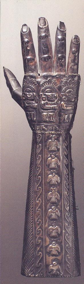 Zoomorphic gauntlet 1000-1400 a.d., silver leaf . Peru, United Chimú. Musée du Quai Branly, Paris.