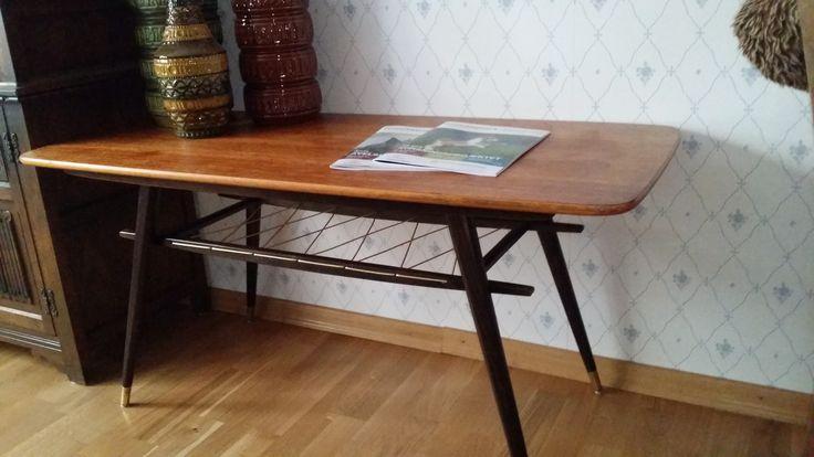 Teakbord köpt på Auktion Mellby IF för 350?kr