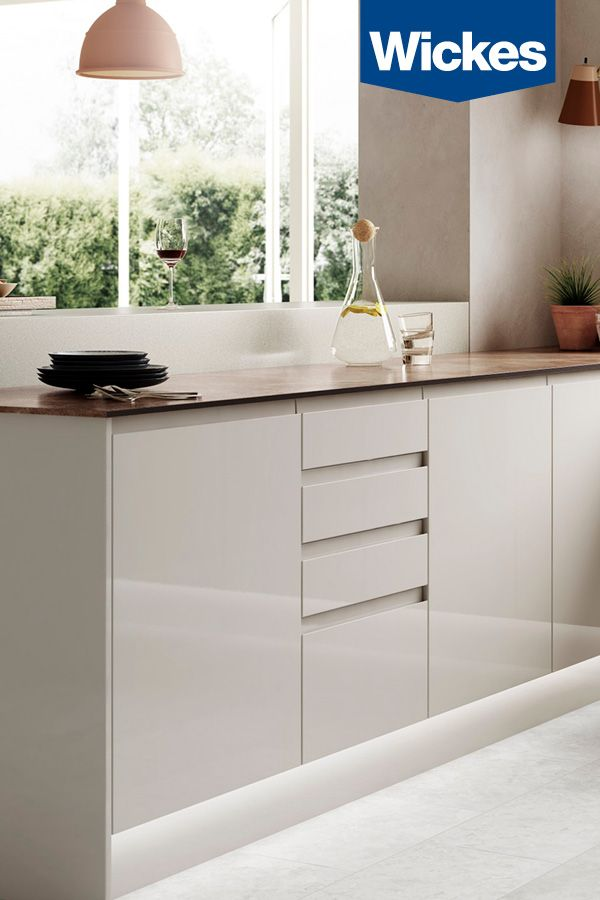 The Clean Lines And Stunning High Gloss Shine Of Sofia Cashmere Will Add Style And Sophisti Kitchen Design Modern Small Cashmere Kitchen Kitchen Cabinet Design